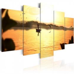 Billede - A lake at dusk
